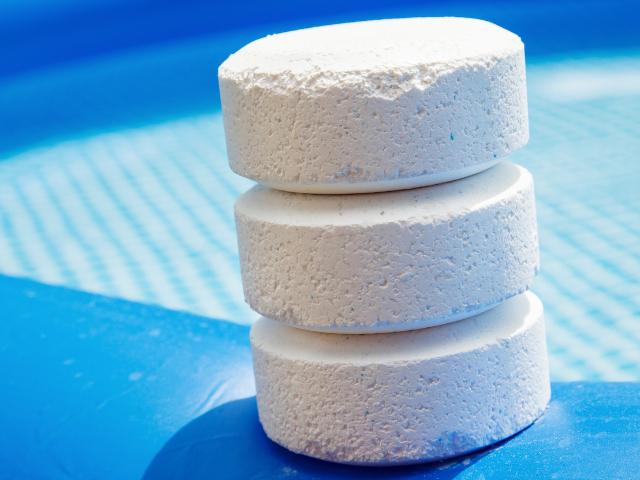 Metoda chlorowa – stosowanie chloru w basenie