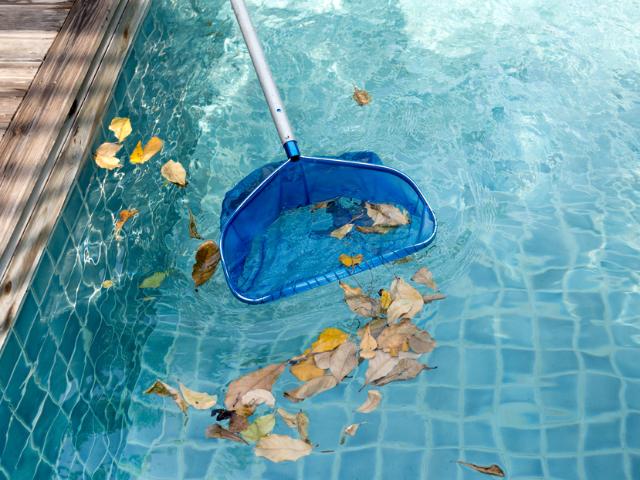 Jak dbać o wodę w basenie?